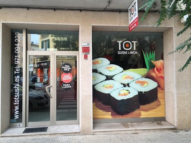 Tot Sushi i Wok