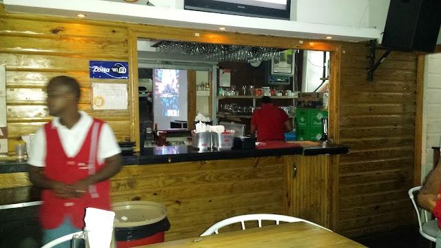 Ahi Bar Cafe & Grill