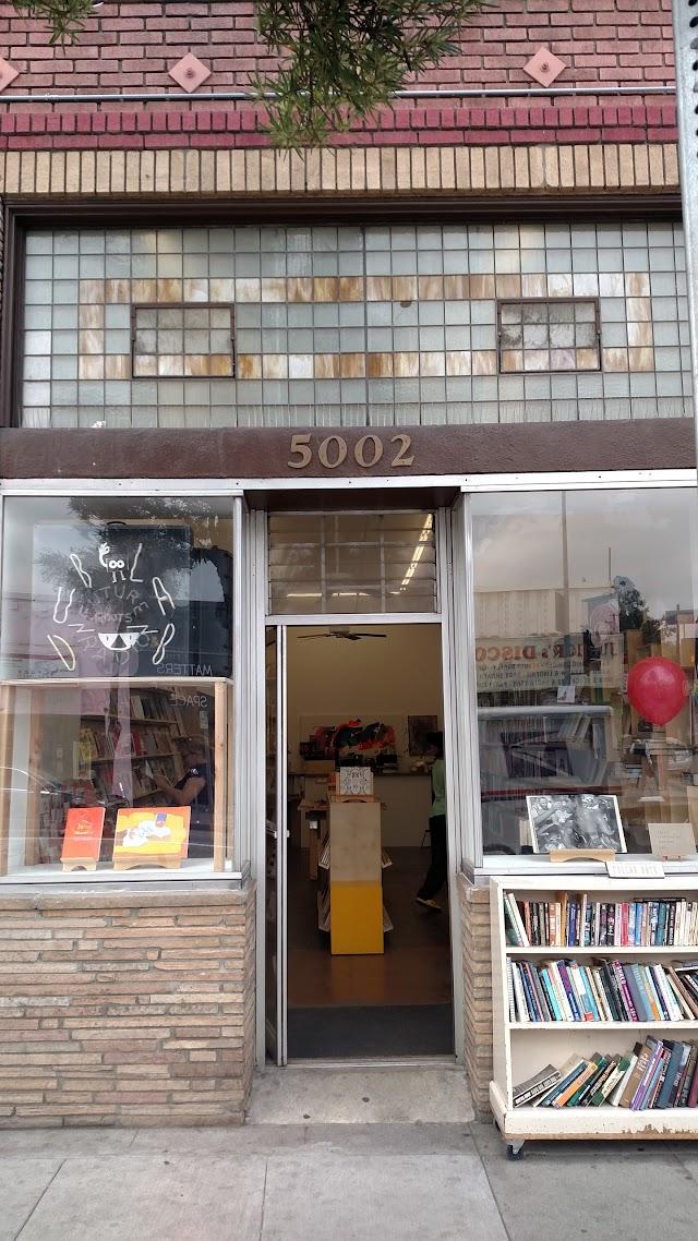 Pop-Hop Books & Print