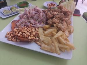 El Castillo Restaurant, Pescados & Mariscos 3