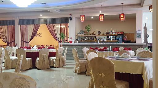Lucky Twins Restaurant