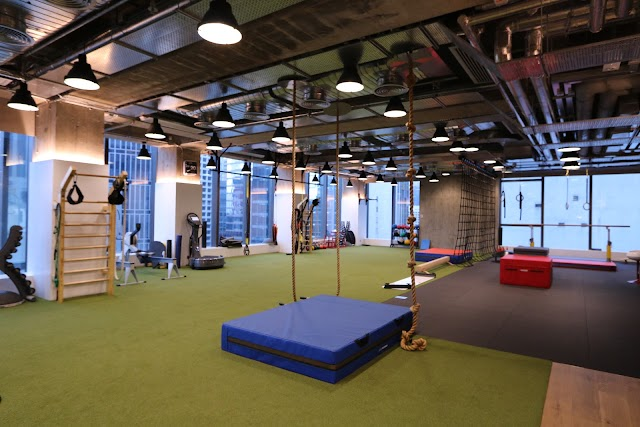 Pure Fitness California Tower - LKF