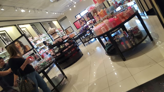 Victoria's Secret & PINK