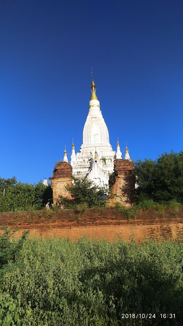 Lay Myat Nha Temple