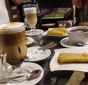 Qallarix Coffee & Market 3