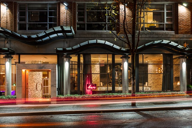 Luxury Hotels in Vancouver : Opus Hotel Vancouver