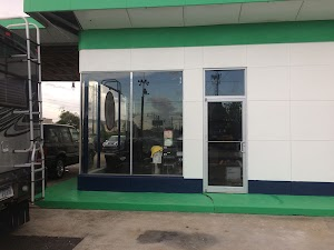 Green Garage European Auto Centre Specializing Land Rover, MINI,Sprinter,& Other Fine European Autos