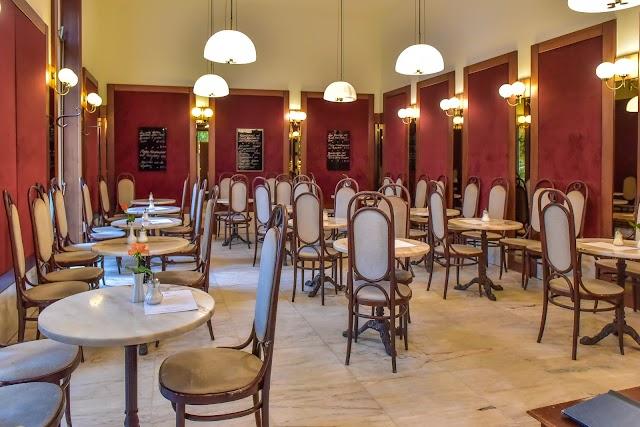 Cafe Laumer