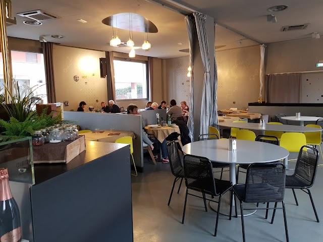 MAP Restaurant & Bar