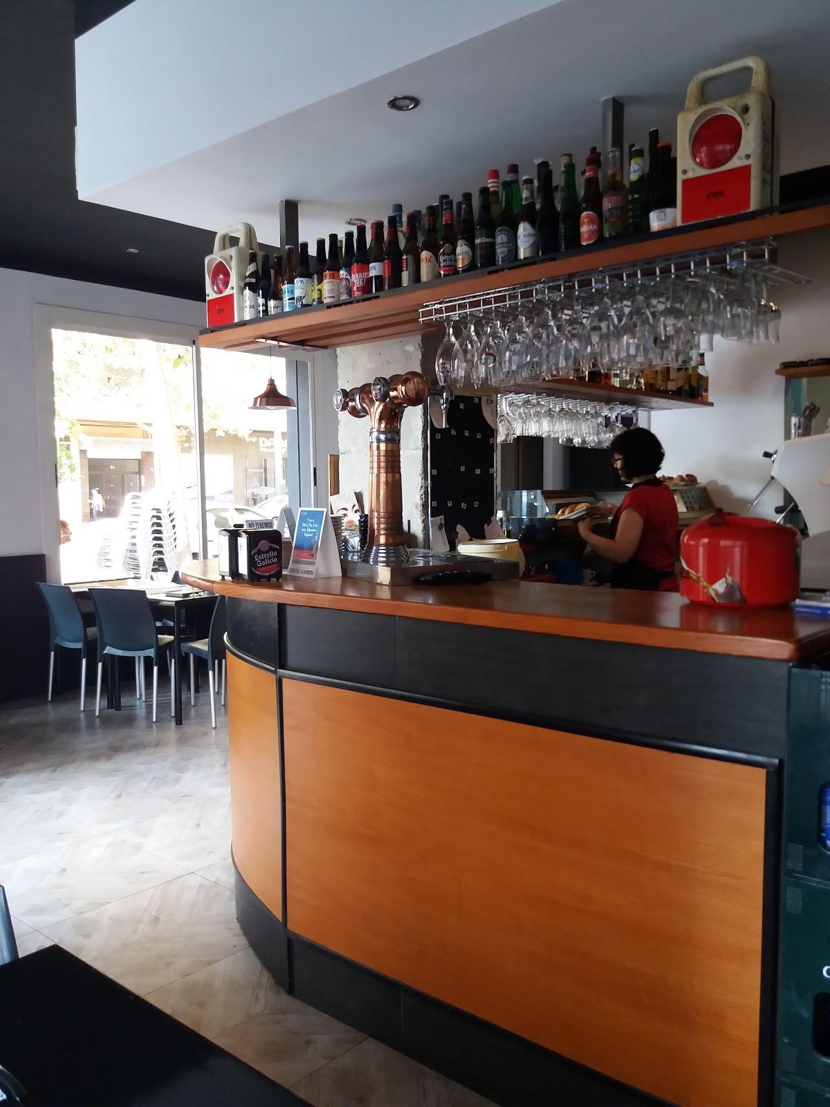 Cervecería El Tranvía: A Work-Friendly Place in Valencia