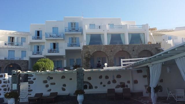 Manoulas Mykonos Beach Resort