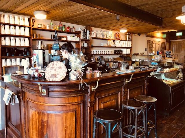 C'est la Vie Fabrique Boulangerie Café