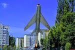Самолет, улица Маршала Борзова на фото Калининграда