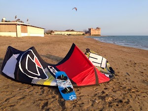 Scuola Kitesurf-surf-sup-windsurf. Iko Center Roma
