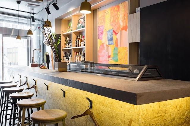 Bar Frontdesk (BnA hotel Koenji)