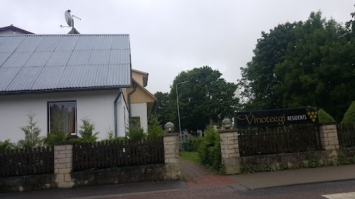 Vinoteegi Residents