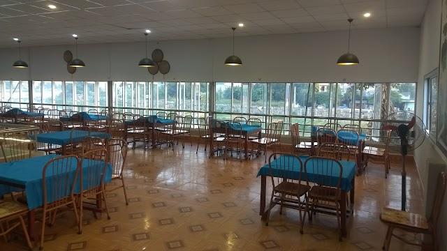 Nhà Hàng Ngã Ba Sông-Lẩu Thức Yến