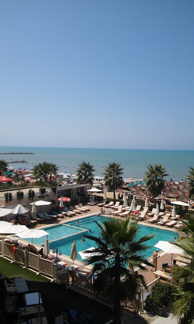 Klajdi Resort