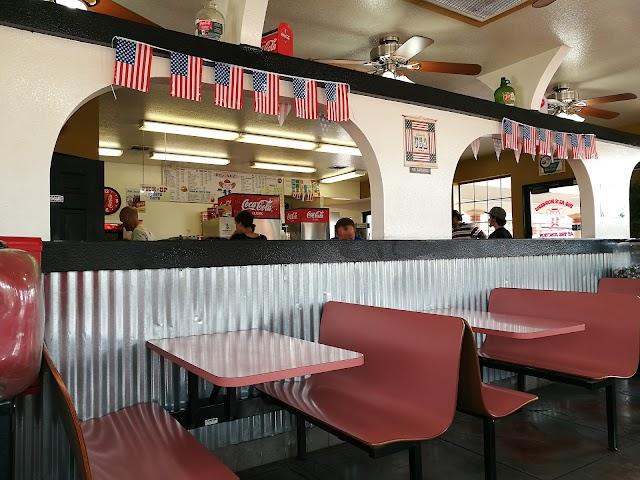 Big al's Burgers at the Junction