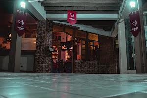 Viejo Lobo Lounge Bar 3
