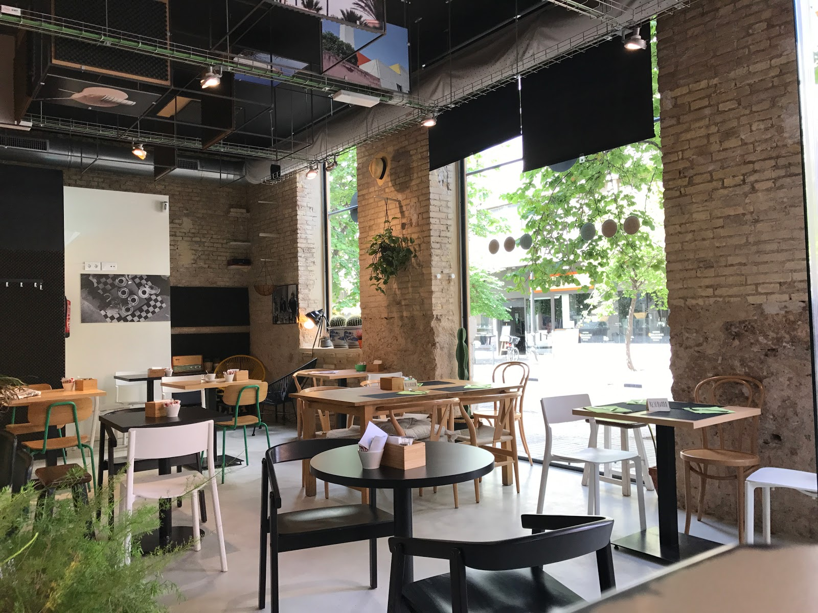 La Roda espai: A Work-Friendly Place in Valencia
