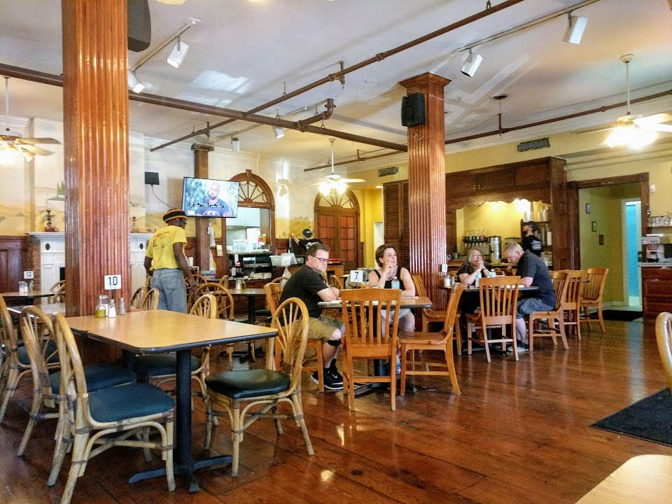 Mona's Cafe Frenchmen