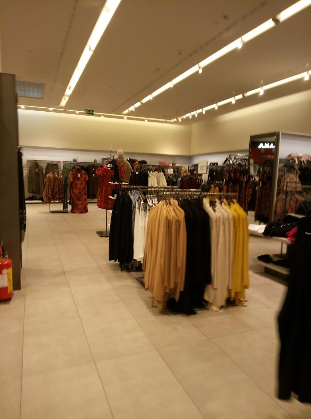 ZARA (Centro Commerciale Conca D'Oro), Palermo </p>         </div>          <!--eof Product description -->      <!--bof Reviews button and count-->      <div class=