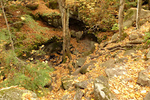 Lusk Cave, Chelsea, Canada