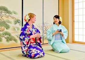 KIMONO TEA CEREMONY MAIKOYA TOKYO