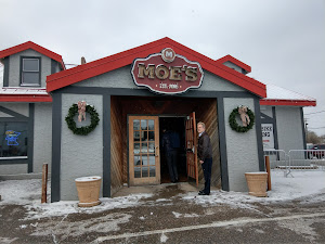 Moe's Sports Bar & Grill