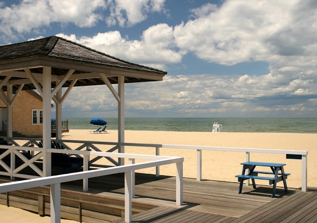 Cliffside Beach Club