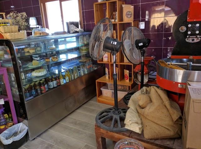 A Mar Café