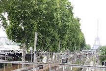 Pont Mirabeau, Paris, France