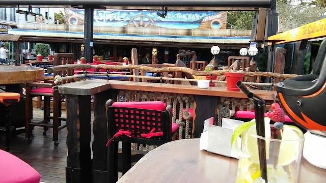 Café Bar Kurrutaky