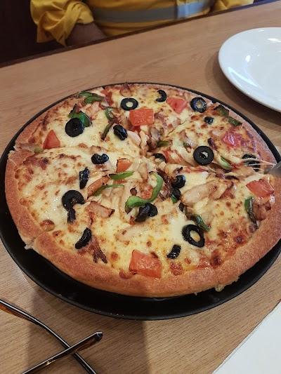 Pizza Hut Al Khor بيتزا هت Al Khor Qatar Phone 974 4432 0320