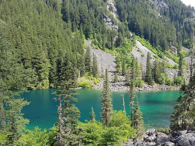 Lindeman Lake Hike