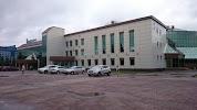 Дворец культуры КИНЕФ на фото Киришей