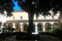 Cloitre des Dames Blanches, La Rochelle, France