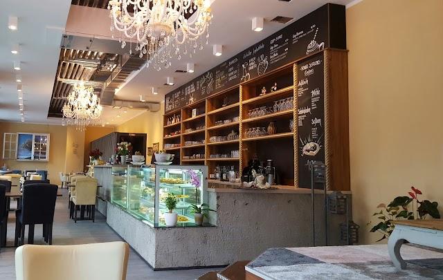 Four Season's Cafe