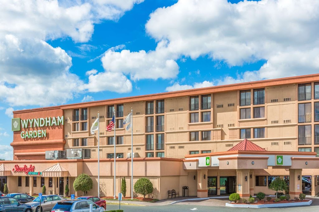 Wyndham Hotels and Resorts Newark Airport
