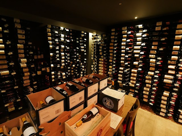 Vino Cultura Wine Cellar, Wine & Tapas Bar
