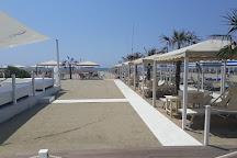 Visit Ostras Beach Disco Club on your trip to Marina di Pietrasanta