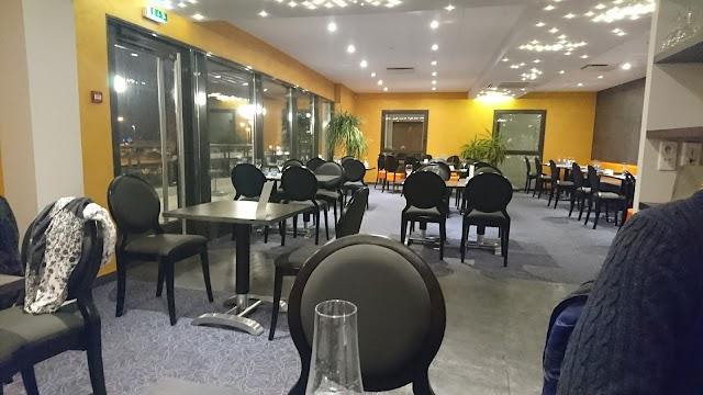 L Envie Restaurant Cafe