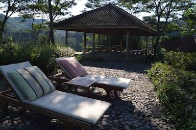 idGuides - Easy Escape Jakarta Treks & Acacia Camp