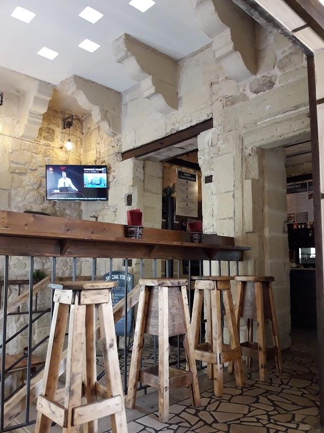 Andrew's Lecce
