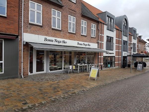ca365b40238 Bossa Noga Sko ApS, Torvet, Svendborg, Danmark 52, Algade, 5750 ...