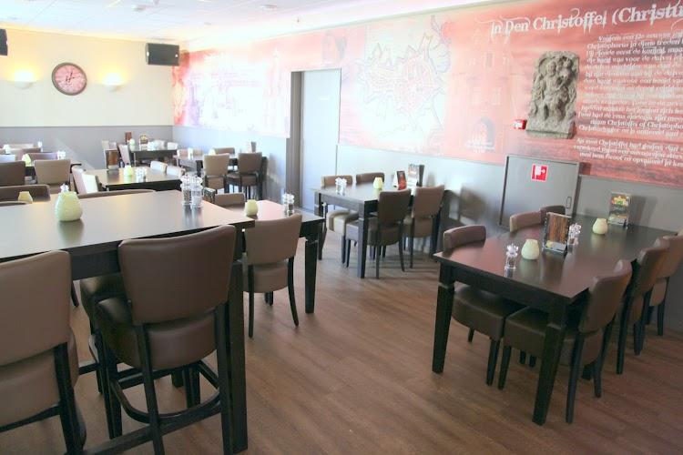 Eten- Drinken- Slapen bij van Ee Bergen op Zoom