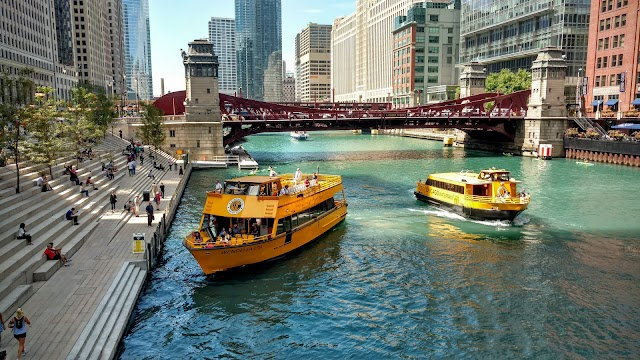 Chicago Water Taxi - Riverwalk