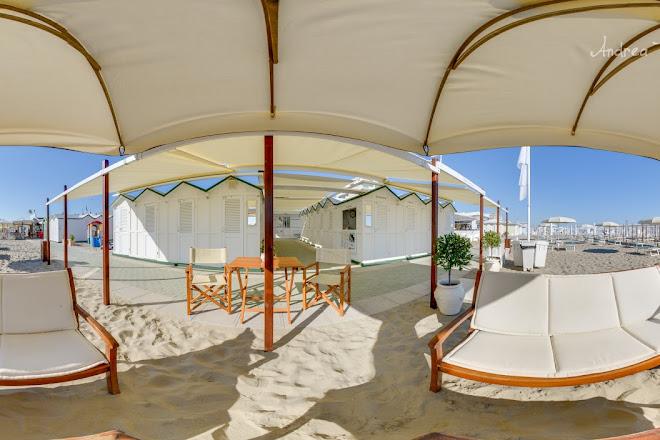 Visit Bagni Speranzino 63 on your trip to Riccione or Italy