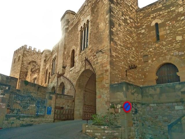 El Castillo De La Suda (El Parador)